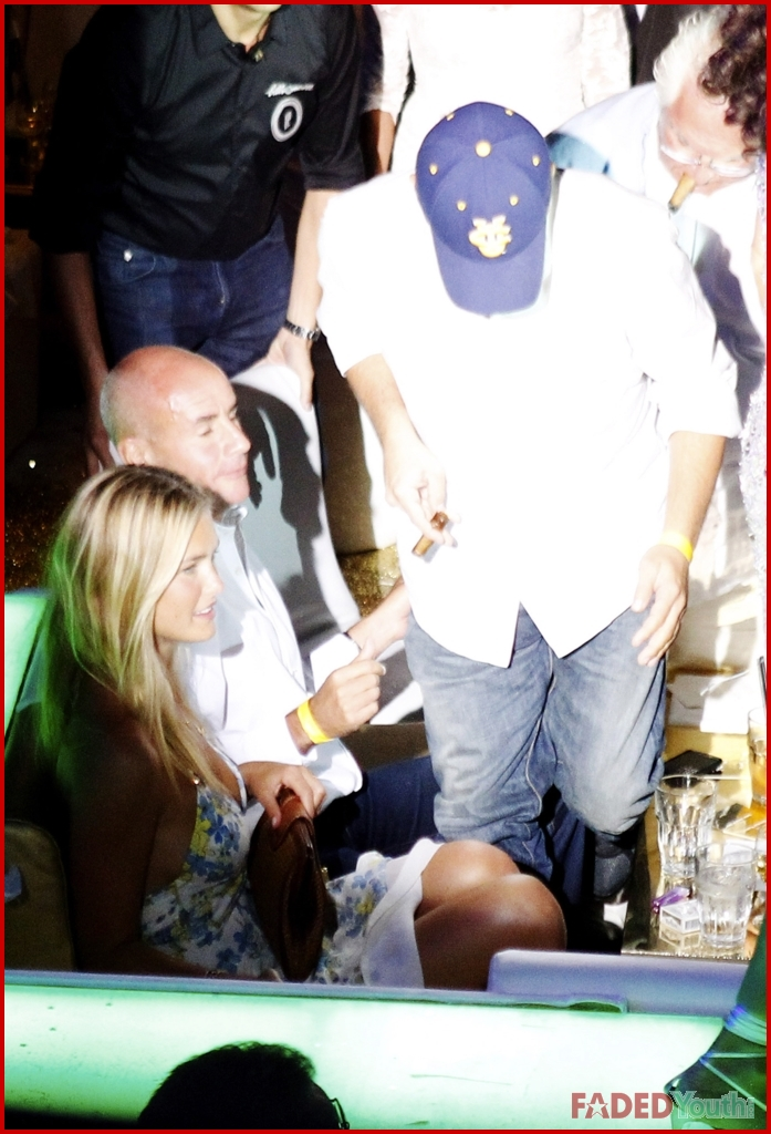 Leonardo Dicaprio And Bar Refaeli Sexy In Sardinia -9640