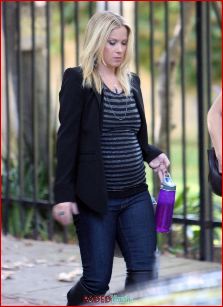 christina applegate baby bump beautiful faded youth blog