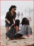 FP_5677927_MunnOlivia_Beach_EXCL_FP7_090510