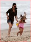 FP_5677982_MunnOlivia_Beach_EXCL_FP7_090510