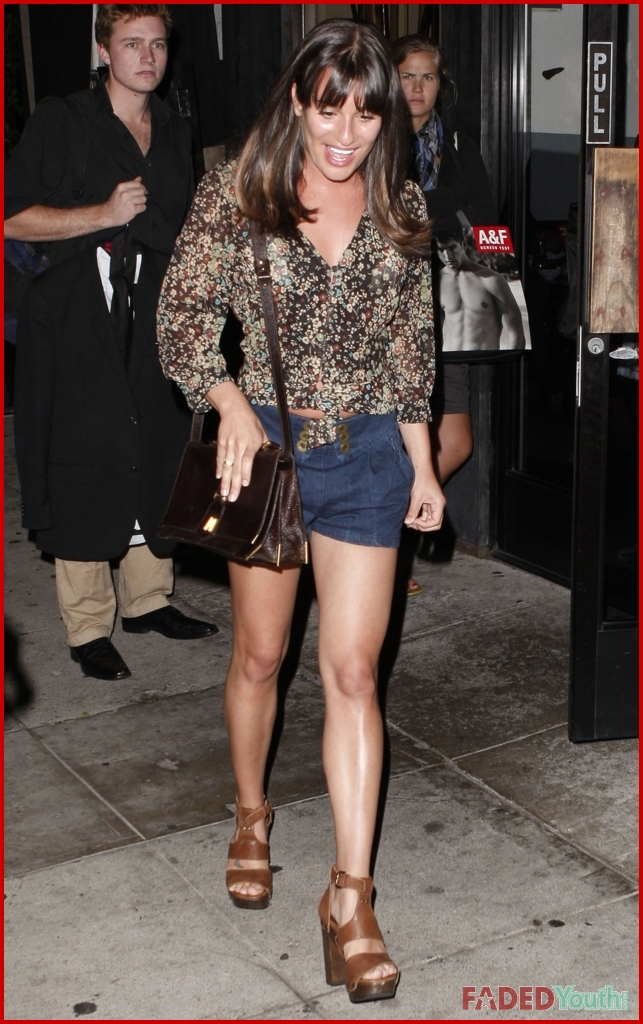 who is lea michele sarfati dating See all lea michele's marriages, divorces, hookups, break ups, affairs, and dating relationships plus celebrity photos, latest lea michele news, gossip, and biography.