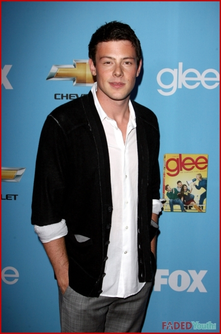 FP_5689439_RIJ_GLEE_PARTY_090710