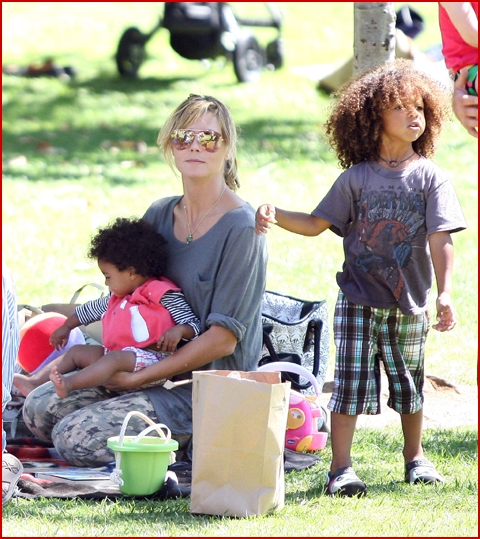 heidi klum spends the day with kids while hubby seal