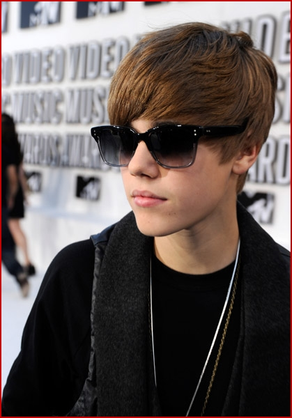 justin bieber pics 2010. One Response to �Justin Bieber