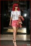 FP_5861307_ANG_Rihanna_100810