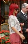 FP_5861313_ANG_Rihanna_100810