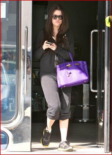 khloe kardashian ring. Khloe Kardashian paid a visit