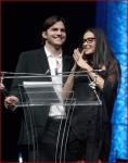 Demi Moore Ashton Kutcher 2010 Freedom Awards6
