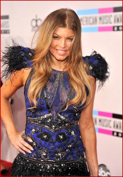 fergie 2010 american music awards5 faded youth blog