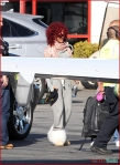 FP_6116395_Rihanna_Airport_EXCL_FP7_112210