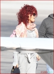 FP_6121665_Rihanna_Airport_EXCL_FP7_112210
