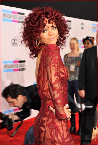 Rihanna 2010 American Music Awards4
