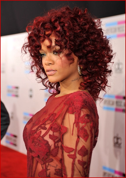 Rihanna 2010 American Music Awards7 Faded Youth Blog