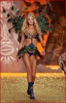 Victoria's Secret Fashion Show 2001-19