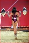 Victoria's Secret Fashion Show2001-25