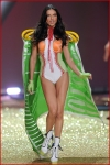 Victoria's Secret Fashion Show 2001-4