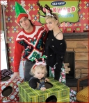 Celebrities Onboard Old Navy Awkward Holiday Photo Mobile14