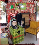 Celebrities Onboard Old Navy Awkward Holiday Photo Mobile7