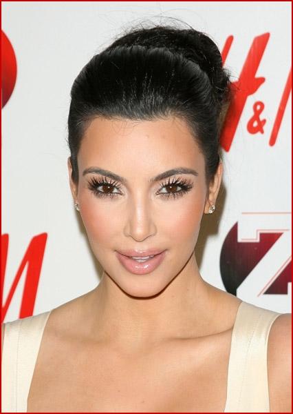 justin bieber twitter backgrounds. justin bieber kardashian. KIM