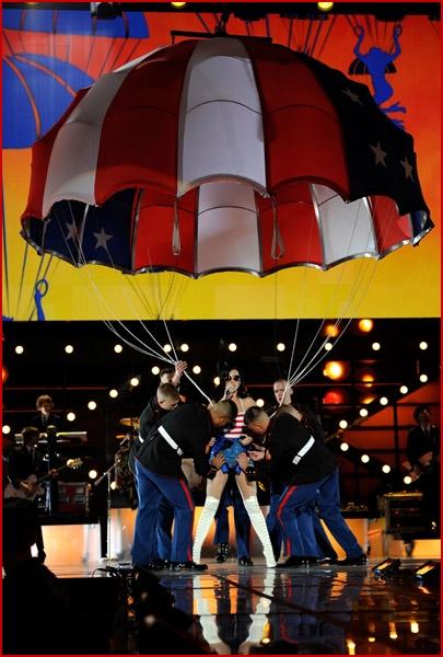 USO VH1 Divas Salute The Troops13