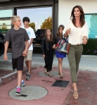 2011_Cindy Crawford and her two kids out at the Malibu Country Mart1_fadedyouthblog