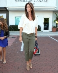 2011_Cindy Crawford and her two kids out at the Malibu Country Mart6_fadedyouthblog