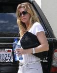 2011_Ellen Pompeo leaving a hair salon in West Hollywood1_fadedyouthblog