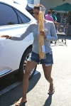2011_Halle berry shopping grocery11_fadedyouthblog