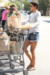 2011_Halle berry shopping grocery3_fadedyouthblog