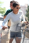 2011_Halle berry shopping grocery7_fadedyouthblog