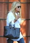 2011_Mary-Kate and Ashley Olsen leave the Bowery Hotel in New York City2_fadedyouthblog