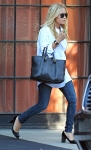 2011_Mary-Kate and Ashley Olsen leave the Bowery Hotel in New York City4_fadedyouthblog