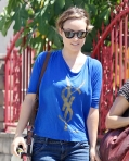 2011_Olivia Wilde heads to get lunch with a friend in Los Feliz1_fadedyouthblog