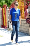 2011_Olivia Wilde heads to get lunch with a friend in Los Feliz6_fadedyouthblog