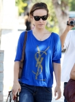2011_Olivia Wilde heads to get lunch with a friend in Los Feliz7_fadedyouthblog
