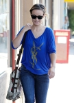 2011_Olivia Wilde heads to get lunch with a friend in Los Feliz9_fadedyouthblog
