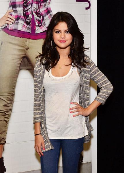 Selena Gomez Kmart Cutie Faded Youth Blog